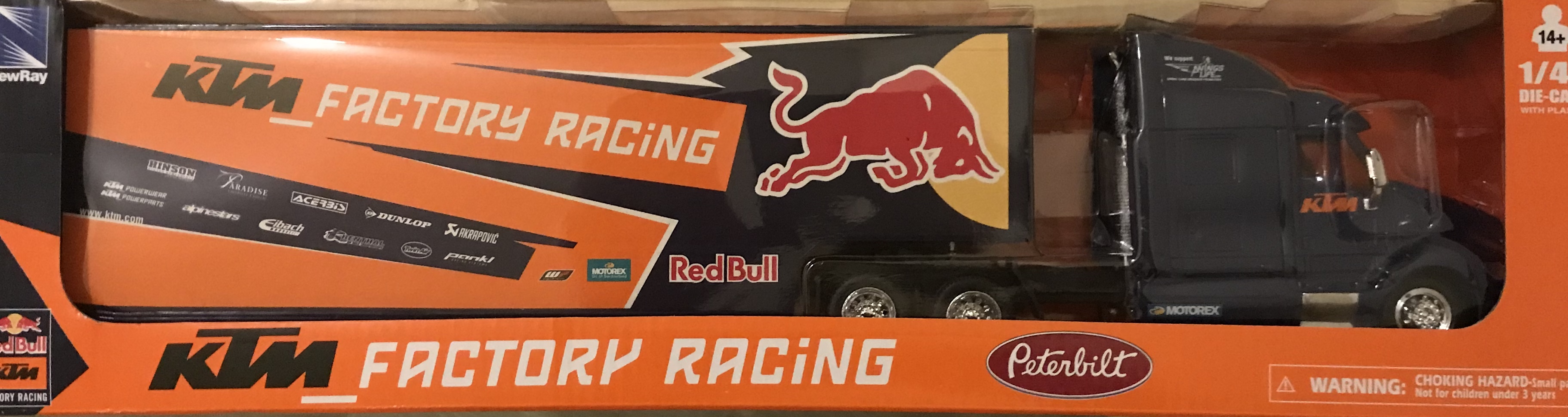 Model kamiónu týmu KTM Red Bull Factory Racing