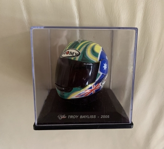 Model přilba Troy Bayliss MotoGP 2005 1/5