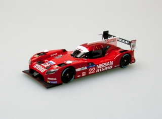 Model Nissan GT-R LM Nismo #22 24h Le Mans, red/white 1:43
