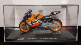 Model  1/24  Moto GP Honda RC211V Nicky Hayden 2004